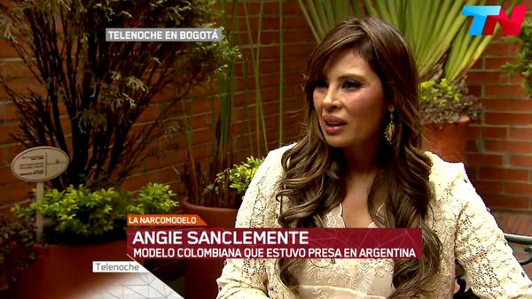 16-08-12-Angie-LatAm-Queen