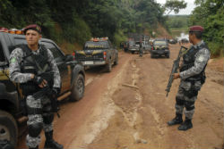 Policía brasileña en la Amazonía del país