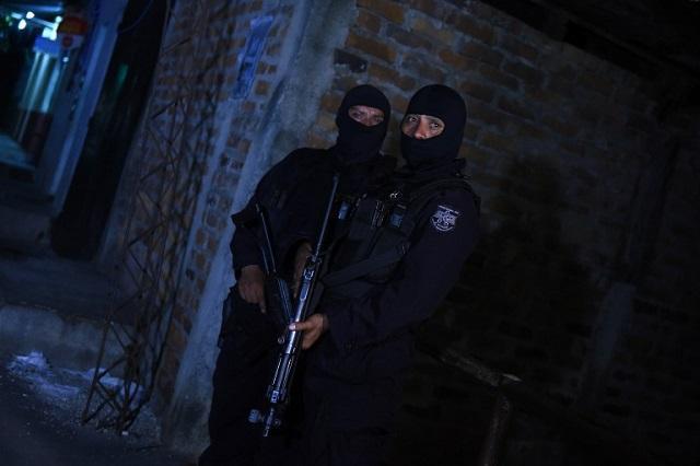 09-15-22-ElSalvador-Police