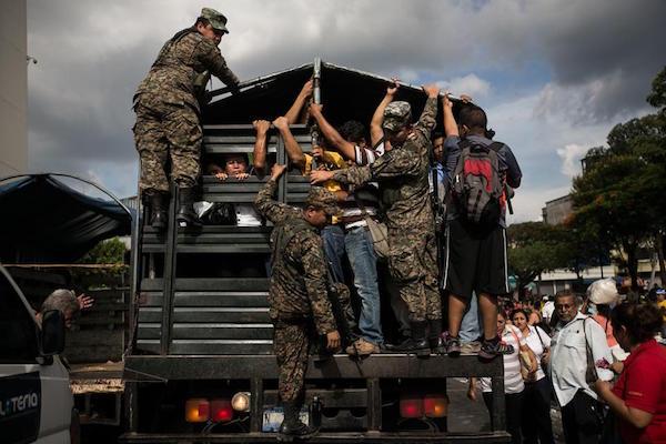 16-01-07-ElSalvador-BusStrike