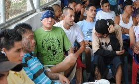 Gang members meet to discuss truce in San Vicente