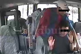 La Tribuna's image of a bus hijack