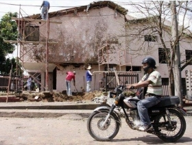Aftermath of explosion linked to FARC extortion
