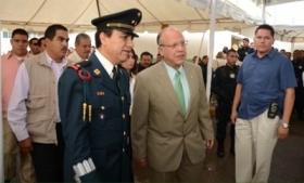 Juarez Mayor Murguia, Police Chief Leyzaola with bodyguards