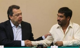 Guerrero Governor (left) with self-defense leader