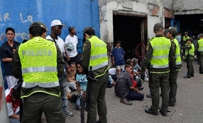 "Police raid an ""olla"" in Medellin's drug hub Barbacoas"