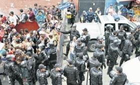 Inmate relatives seek information after Quito prison break