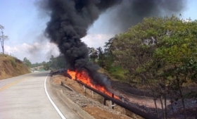 An oil pipeline attacked by the FARC in January