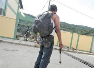"""""""Backpackers"""" carry drugs out of Peru's VRAEM"""