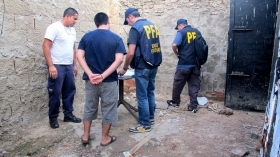 Argentina anti-drug police engaged in the raid