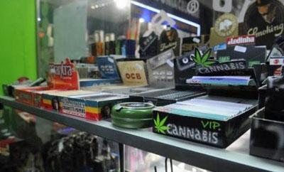Marijuana paraphernalia for sale in Uruguay