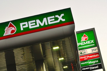 Mexico oil company Pemex says it lost $1 billion to oil theft in 2014
