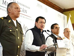 Interior Minister Miguel Ángel Osorio Chong (second from left)