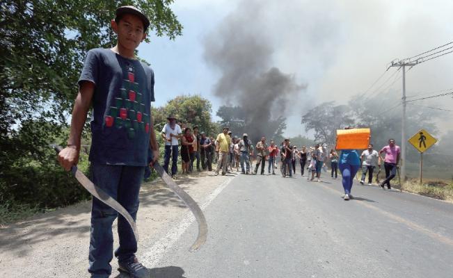 Protesters in Michoacan