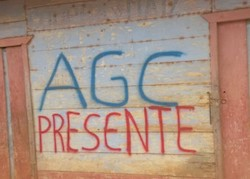 Grafitti displaying the Spanish acronym for the Urabeños