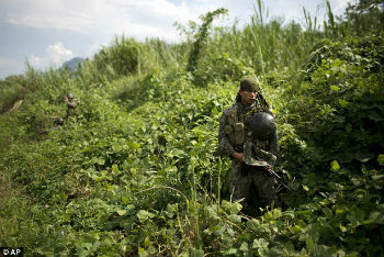 A soldier in Peru's coca-producing VRAEM region