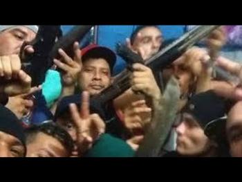 Brazil prisoners armed for battle (Source: YouTube)