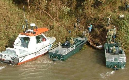 Elements of Argentina's Naval Prefecture intervening in Corrientes