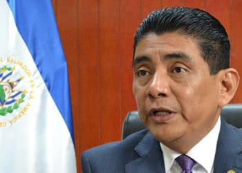 Ministro de seguridad encargado de El Salvador Raúl López