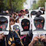 Manifestantes exigen justicia para los 43 estudiantes desaparecidos