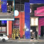 """Escena de un violento ataque contra un establecimiento nocturno, atribuido a los """"Aztecas"""""""