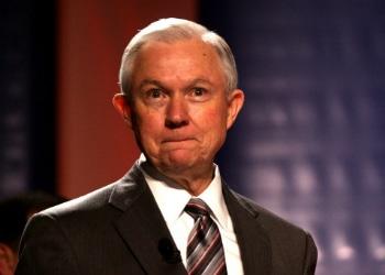 """La MS13 es ahora un """"objetivo prioritario"""" en EE.UU, según fiscal general Jeff Sessions"""