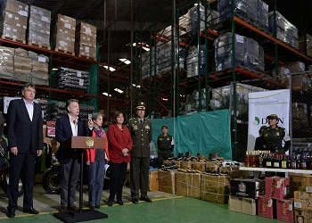 Juan Manuel Santos, presidente de Colombia, anuncia el mayor golpe contra el contrabando en la historia del país
