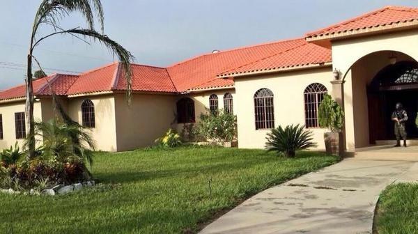La residencia de Arnaldo Urbina Soto en Yoro. Fotografía tomada de Twitter