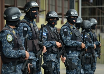 Reformas en la policía nacional de Honduras han ayudado a reducir homicidios