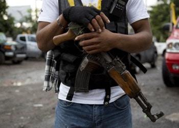 Los grupos de autodefensa contribuyen a la inseguridad en Michoacán, México