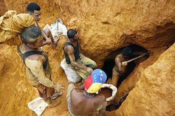 Sacando oro de la mina - 5 8