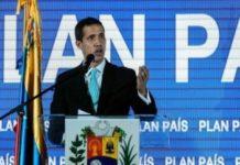 El líder de la oposición Juan Guaidó presenta su plan de seguridad para Venezuela