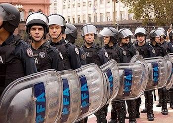 La Policía Federal Argentina tiene cerca de 30.000 miembros
